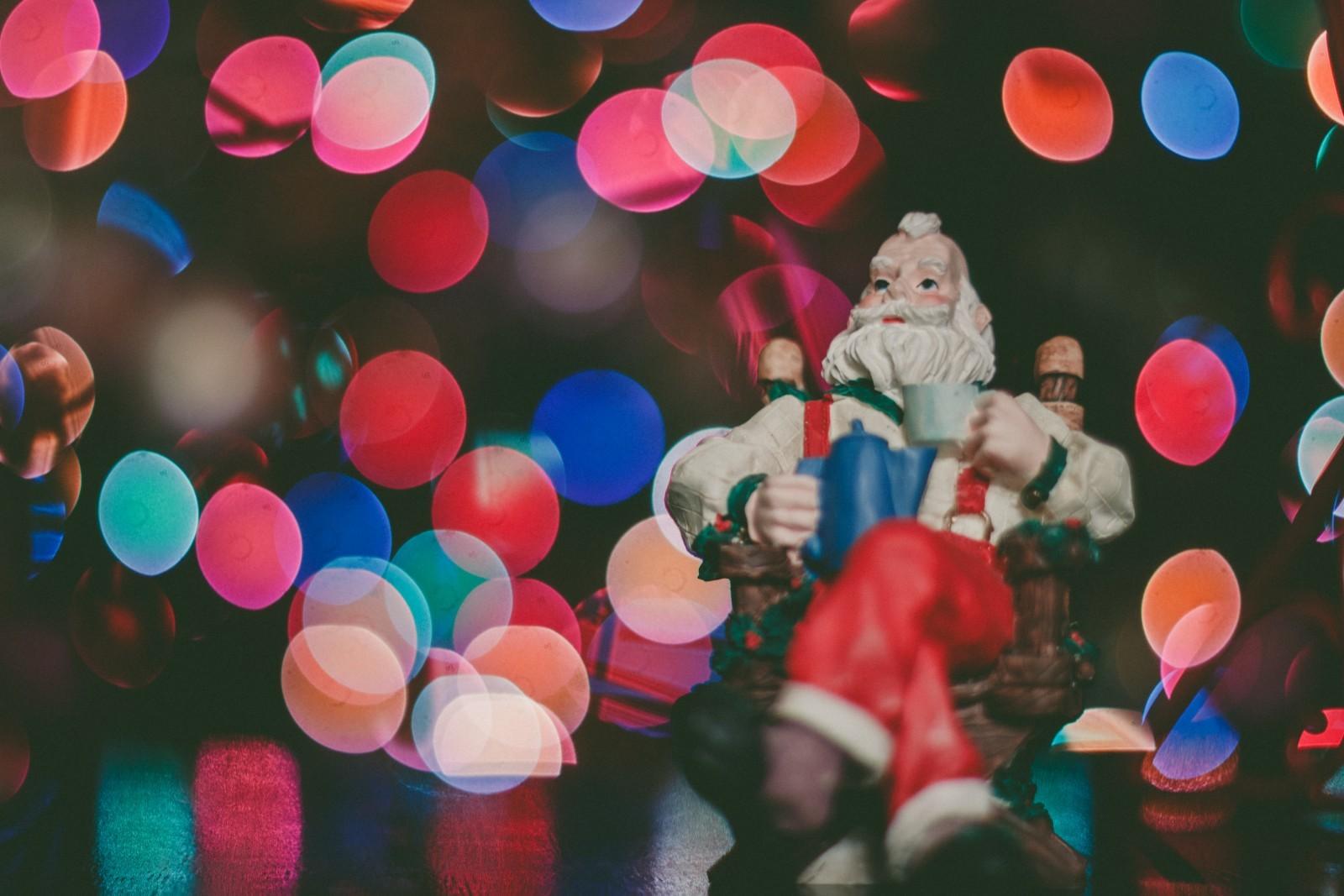 bokeh-santa-father-christmas.jpg