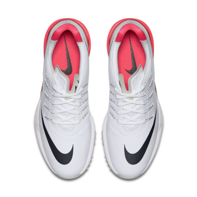 The new graphics for the Lunar Control 4 show of the Nike swoosh loudly and proudly!