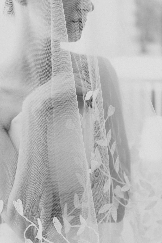 CarolinaHerrera.Fall2016.Bridal.7.jpg