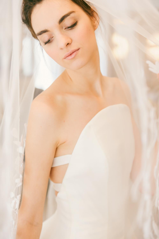CarolinaHerrera.Fall2016.Bridal.8.jpg