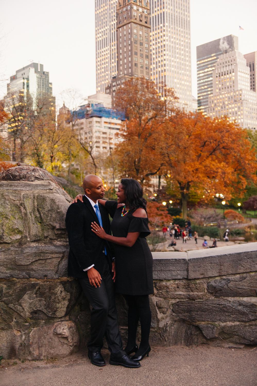 CentralPark.Manhattan.NYC.PlazaHotel.EngagementPhotos.10.jpg