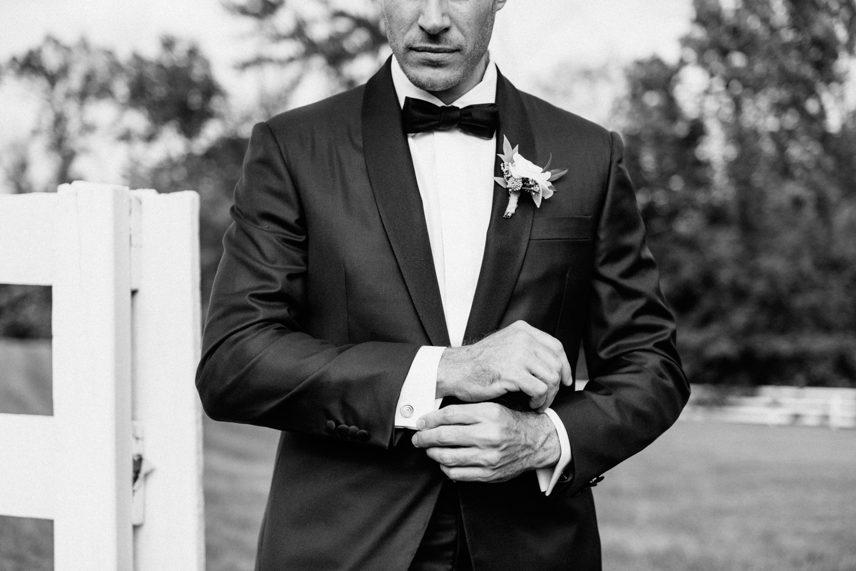TheBarnatLibertyFarms.Wedding.NYC.-11.jpg