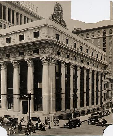 THE CLOCK BUILDING   Built in 1908  6 stories  100,000 total square feet  13′ concrete ceilings  Penthouse: 16′ concrete ceilings