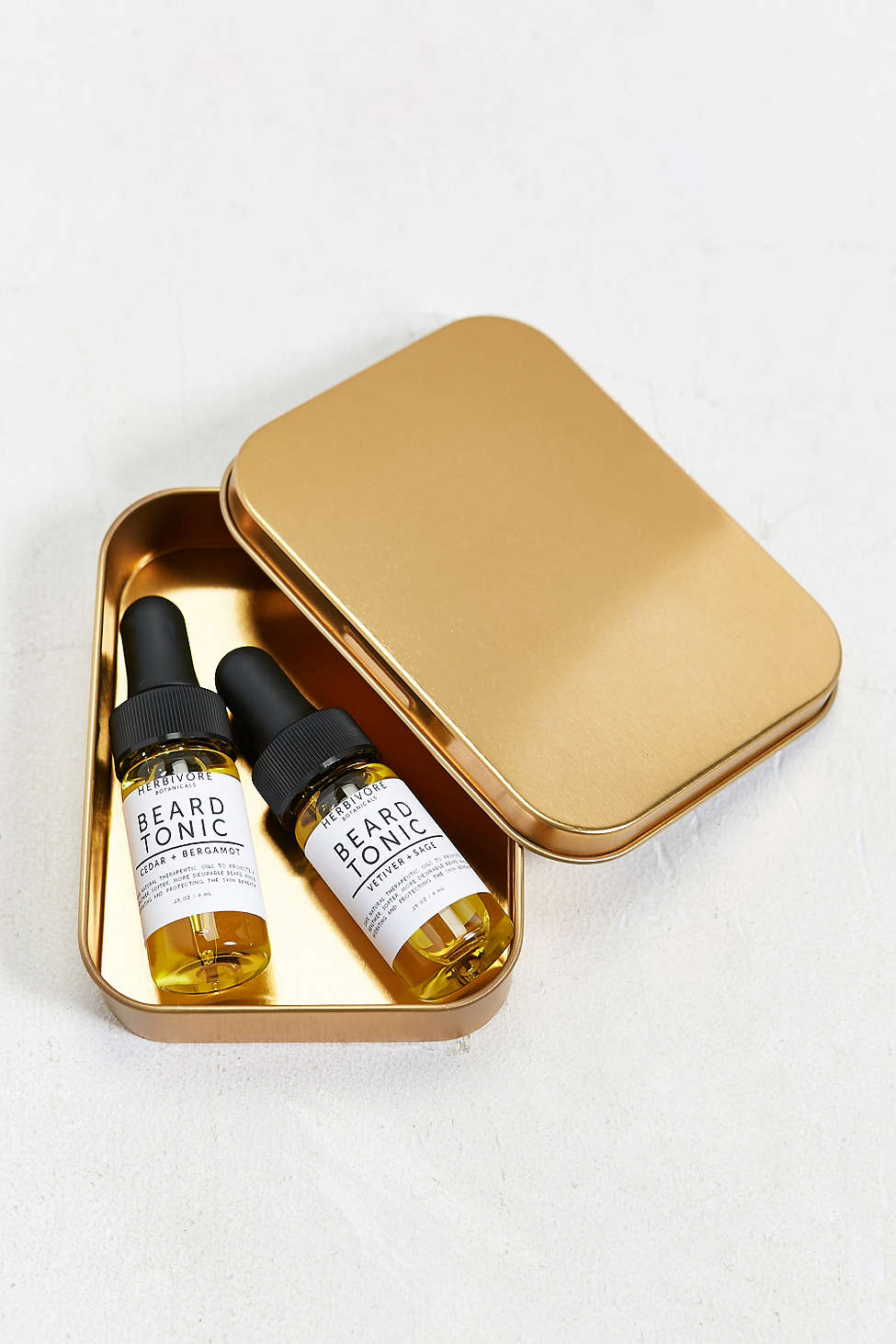 Beard tonics can be used by both men and women for beards, eyebrows, scalp care, and more