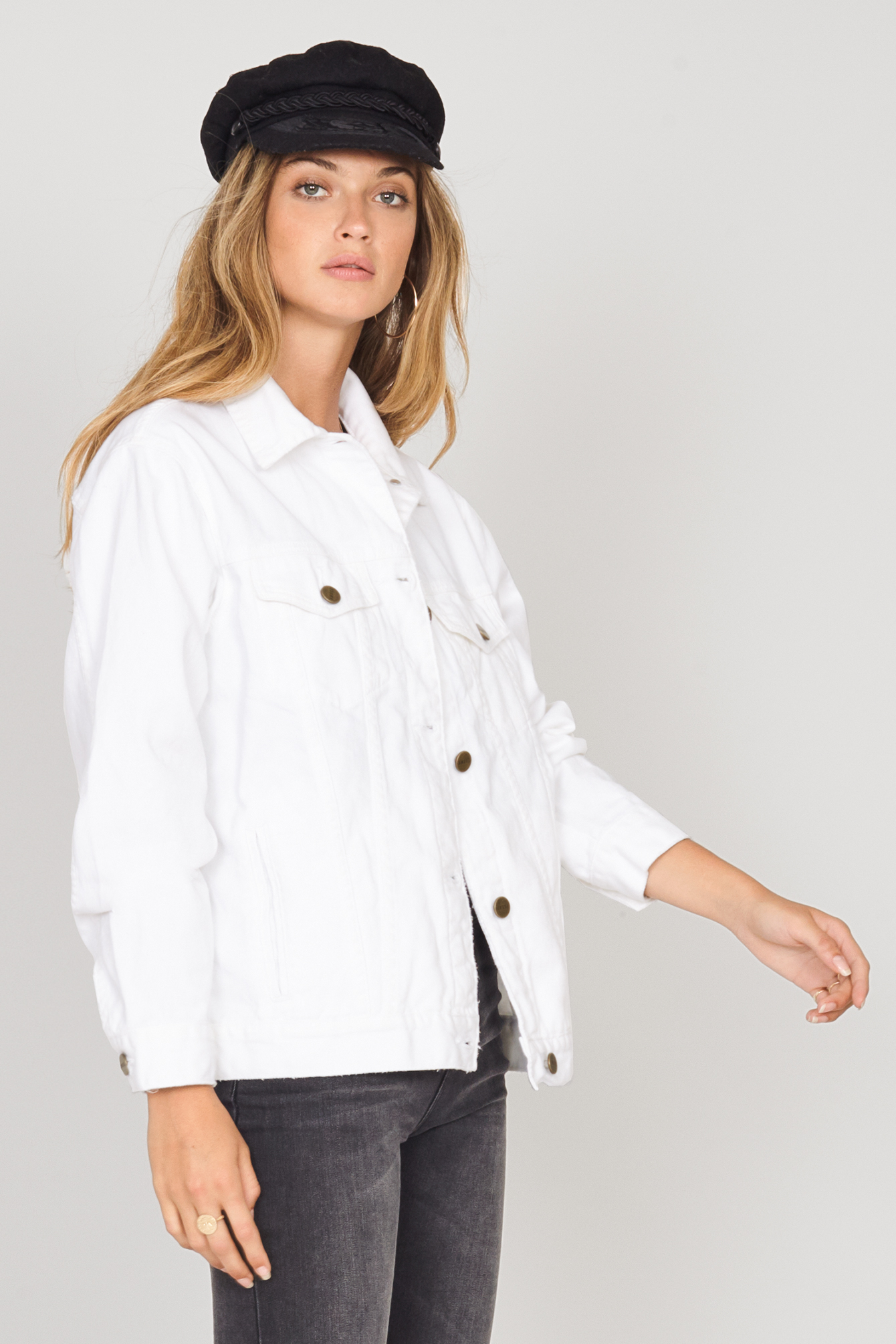 White denim jacket 2.jpg