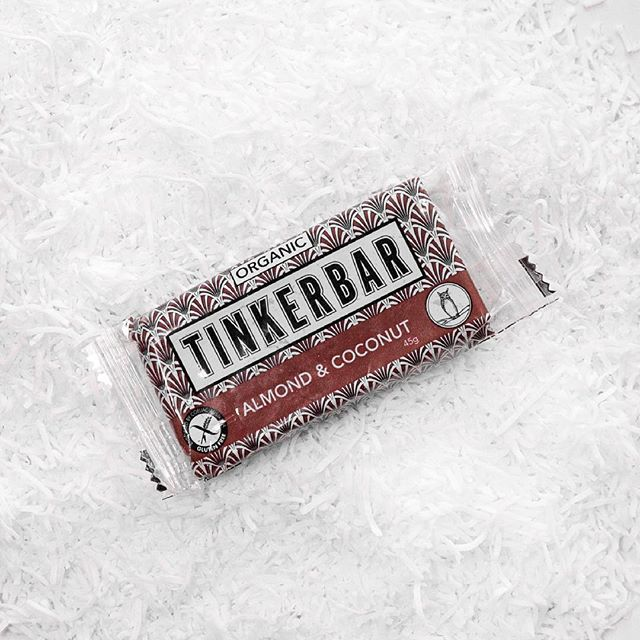 Lying in a bed of its own creation - this bar doesn't steer far from the source! #tinkernicks 🥥