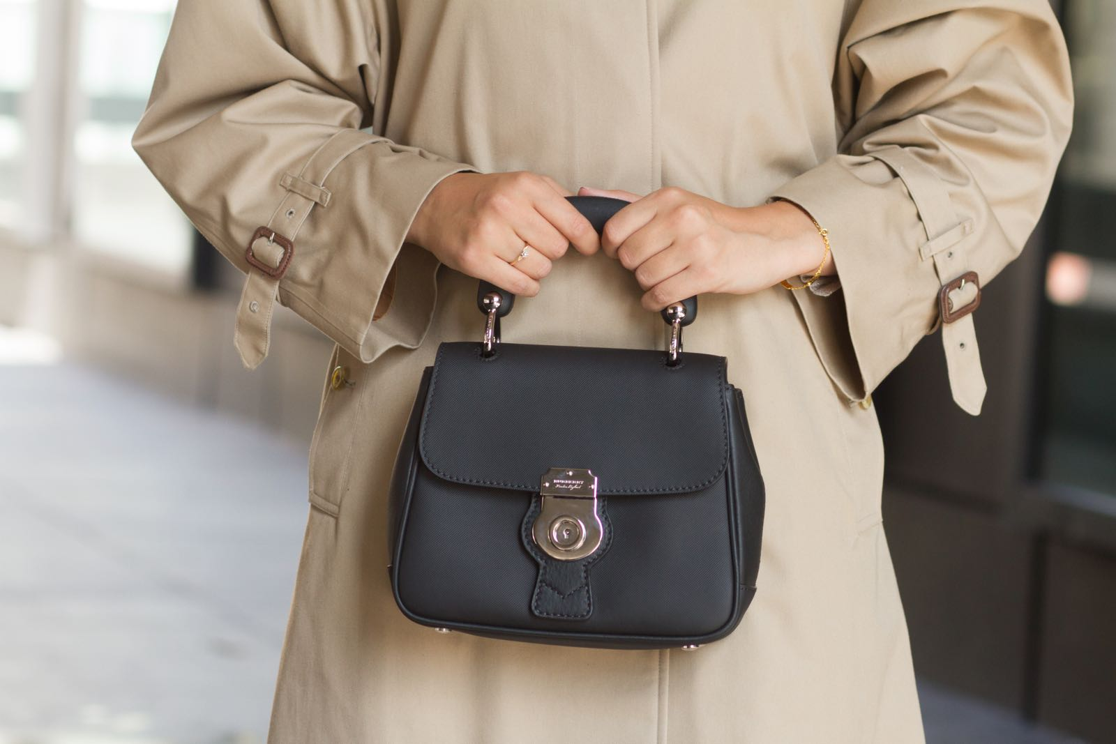 burberry-coat - 1.jpg