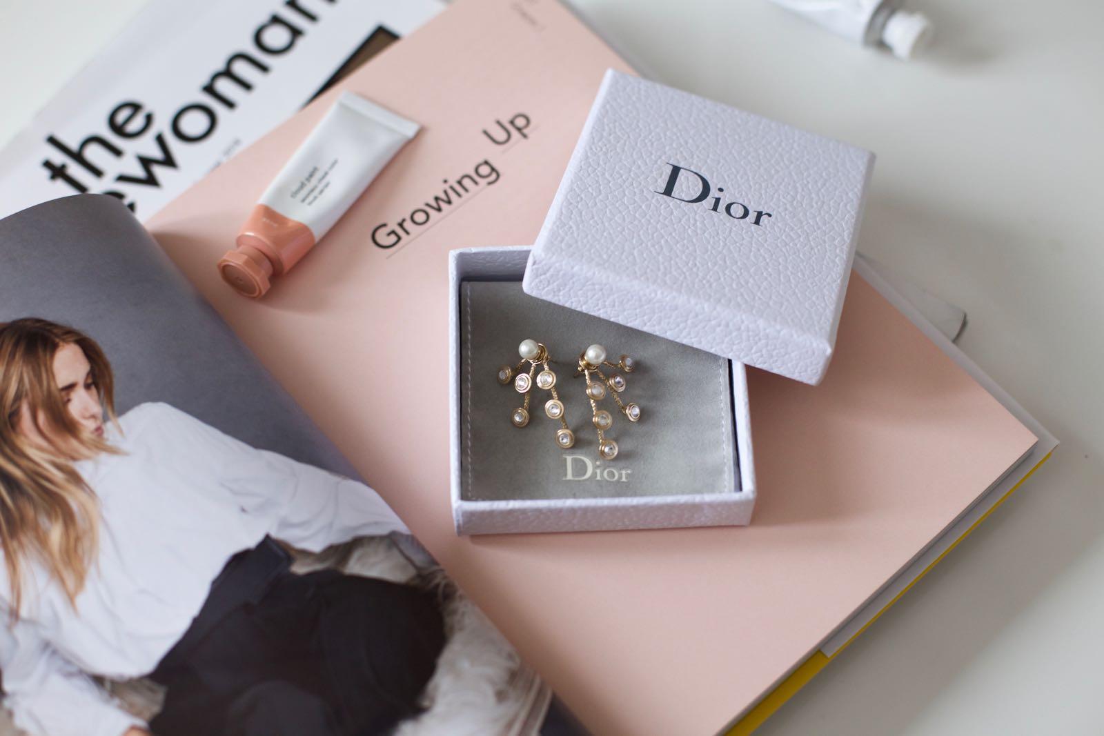 Constellation earrings: Dior