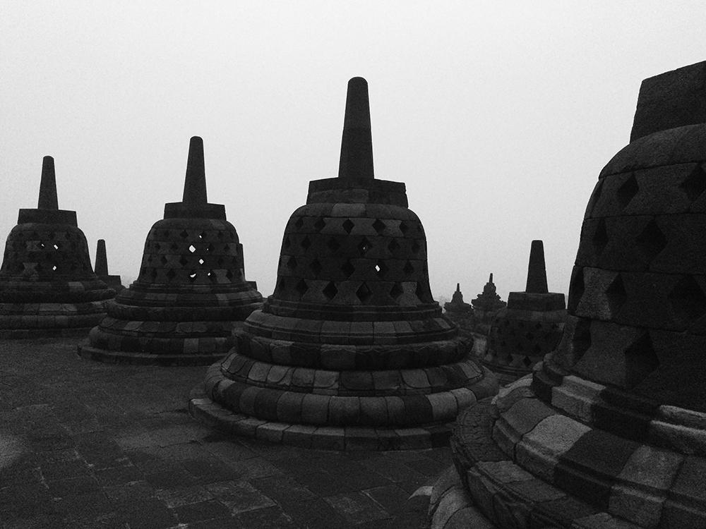 Borobudur_034-bw.jpg