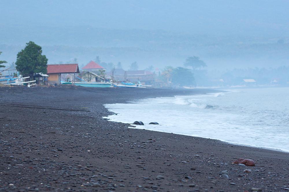Amed_Beach1.jpg