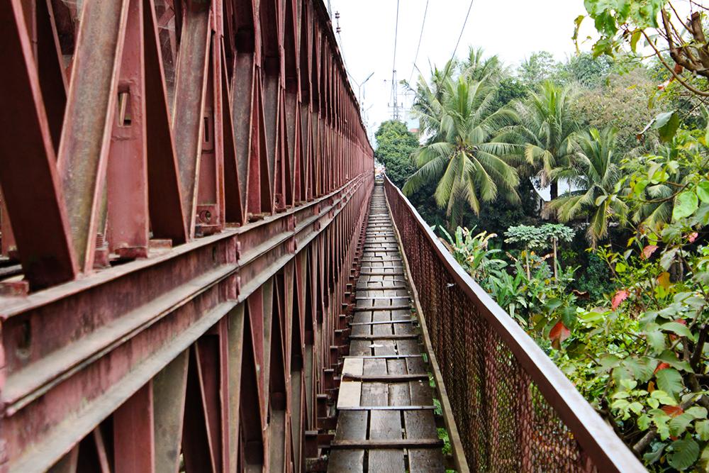 LuangPrabang_bridge.jpg