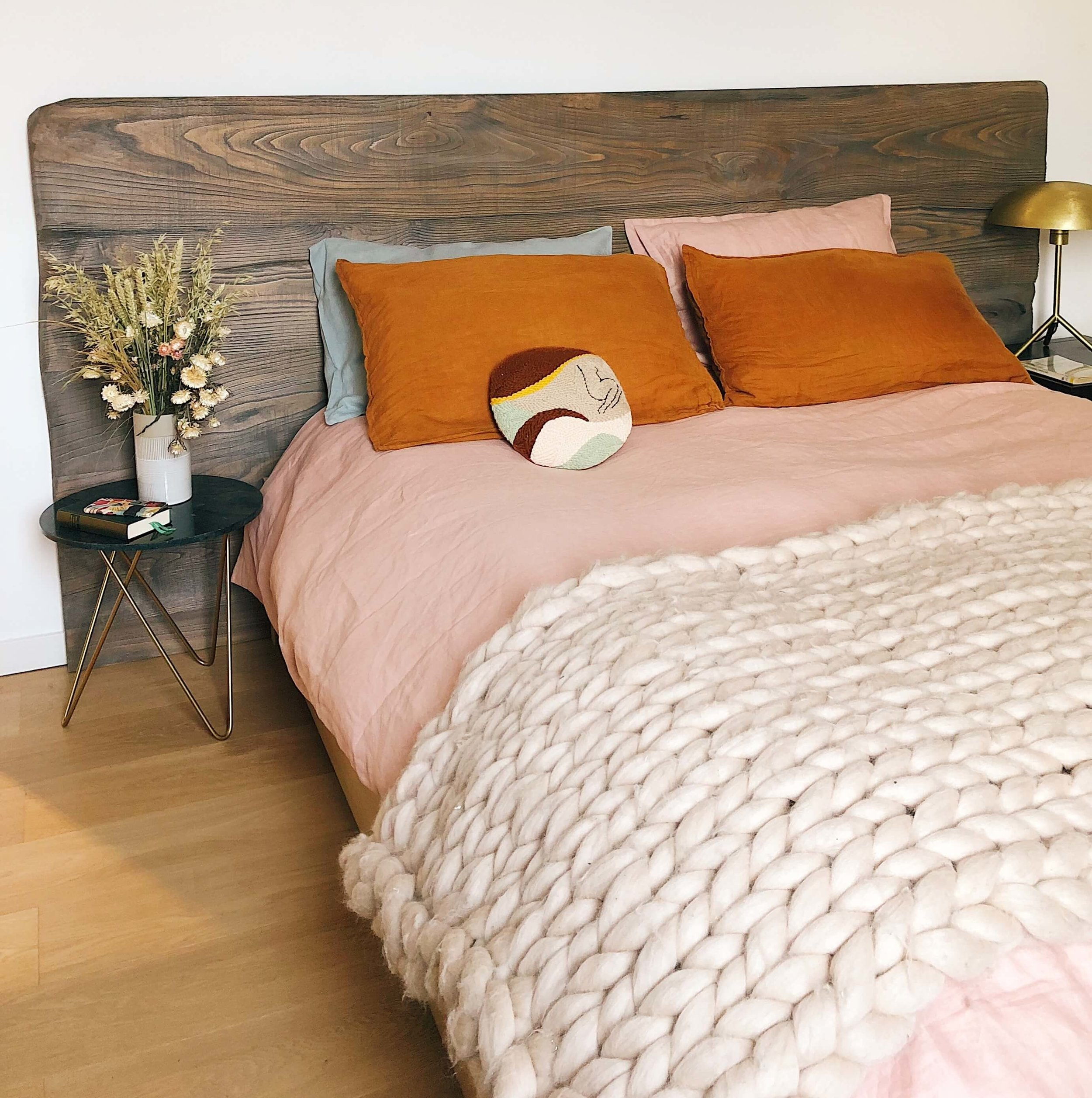 introverted-mom-bedroom-jen-pollard-online-interiors-yasmine-boheas-PX7hU0tcBL0-unsplash.jpg