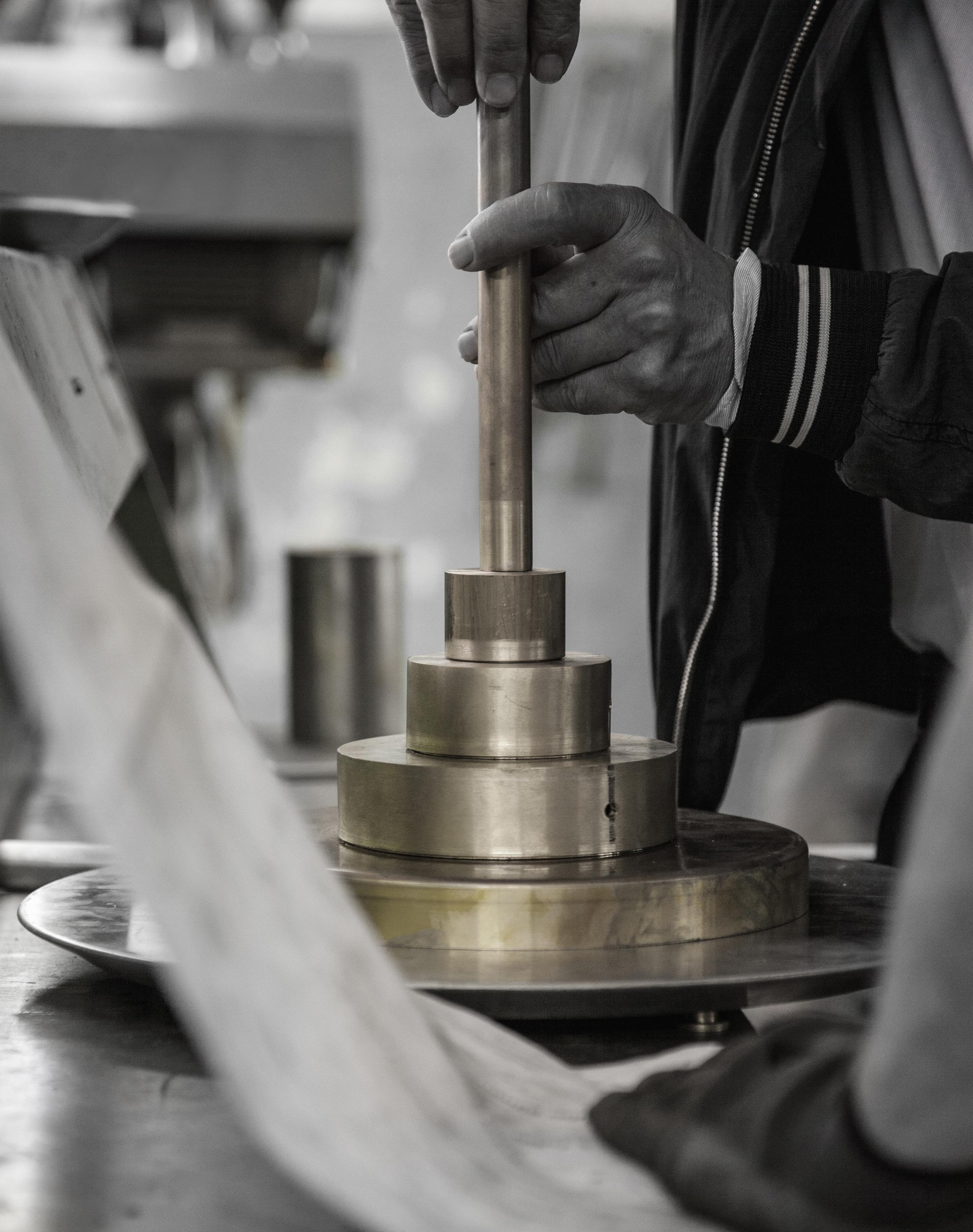 delightfull-handcraft-detail10-lighting-design-handmade-production.jpg