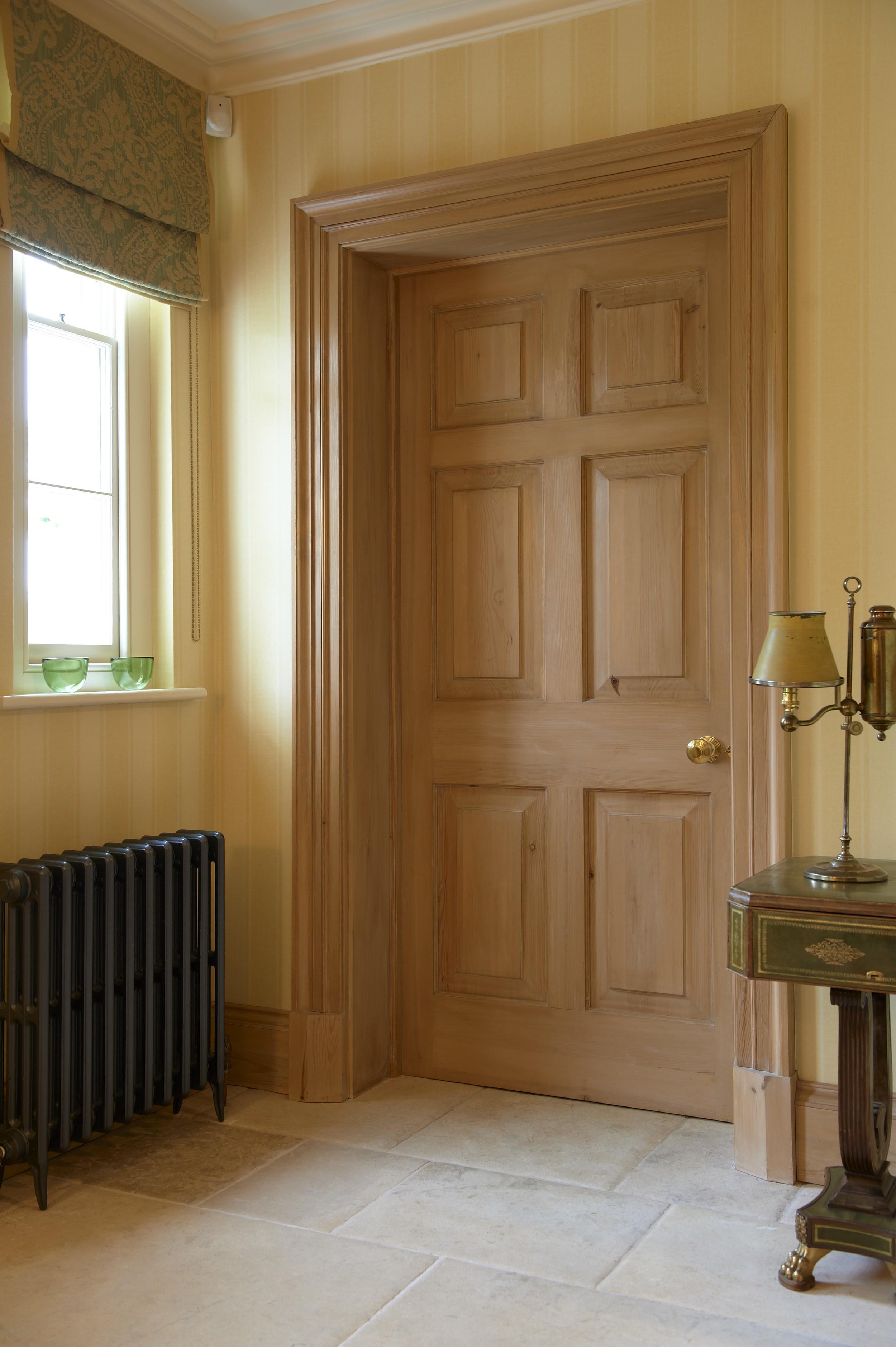 Hallidays_Door_1040.jpg