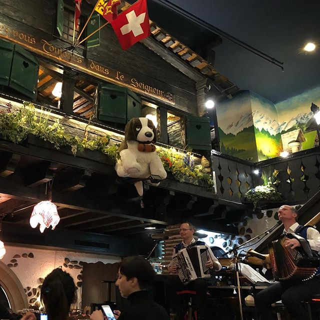 Jetlagged and hungry first night in Switzerland leads to dinner at a tourist trap. Yes there was yodeling and alphorn playing with our fondue Neuchâteloise. Eidelweiss, surprisingly, sticks in your head the more times you hear it. #wanttostealthegiantstuffeddog
