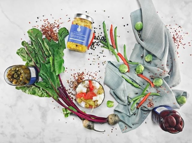 Looking to create an eye catching Pickled Vegetable Board? We offer a unique line of clean small batch pickled vegetables that offer memorable crunch and flavor. ▫️No EDTA ▫️No Sodium Benzoate ▫️No Artificial Colors ▫️No Artificial Preservatives . . . . #GetPickled #CleanEating #SmallBatch #PickledVegetables