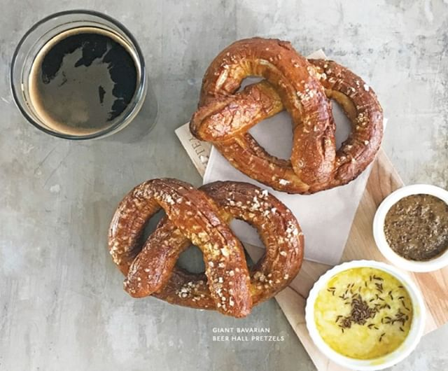We are supplying brewpubs and brewery's🍺 with the specialty ingredients they need to elevate presentation and flavor. Be sure to check out our newest specialty program, Sid Wainer On Tap. . . House Made Giant Bavarian Beer Hall #Pretzels🥨 Pair with⬇️ Jansal Valley Whole Grain Mustard (Item # 206380) Jansal Valley Heritage Espelette Mustard (Item # 339130) Jansal Valley Horseradish Maple Mustard (Item # 102830)