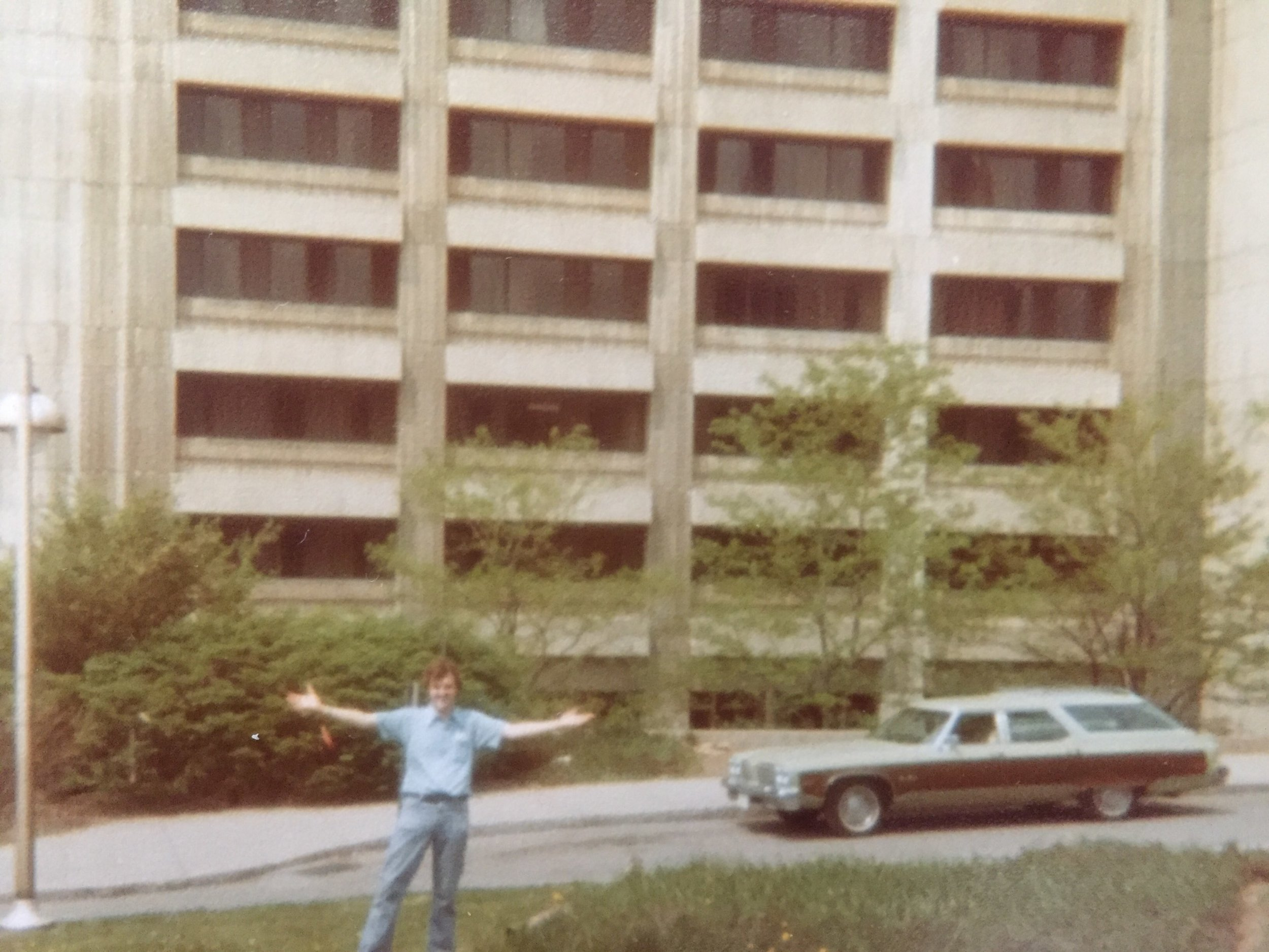 In front of the Brewster/Boland dormitory at Syracuse University in May 1979. Photo: Newvine Personal Collection