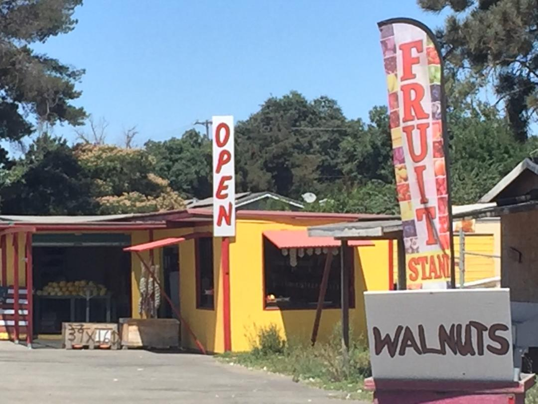 One of many roadside stands that line highway 152 going into the City of Gilroy. Photo- Steve Newvine