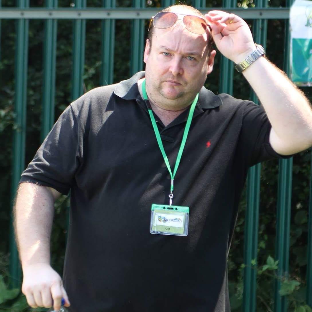 Andy Devaney of Avenoir Music Management & Consultancy