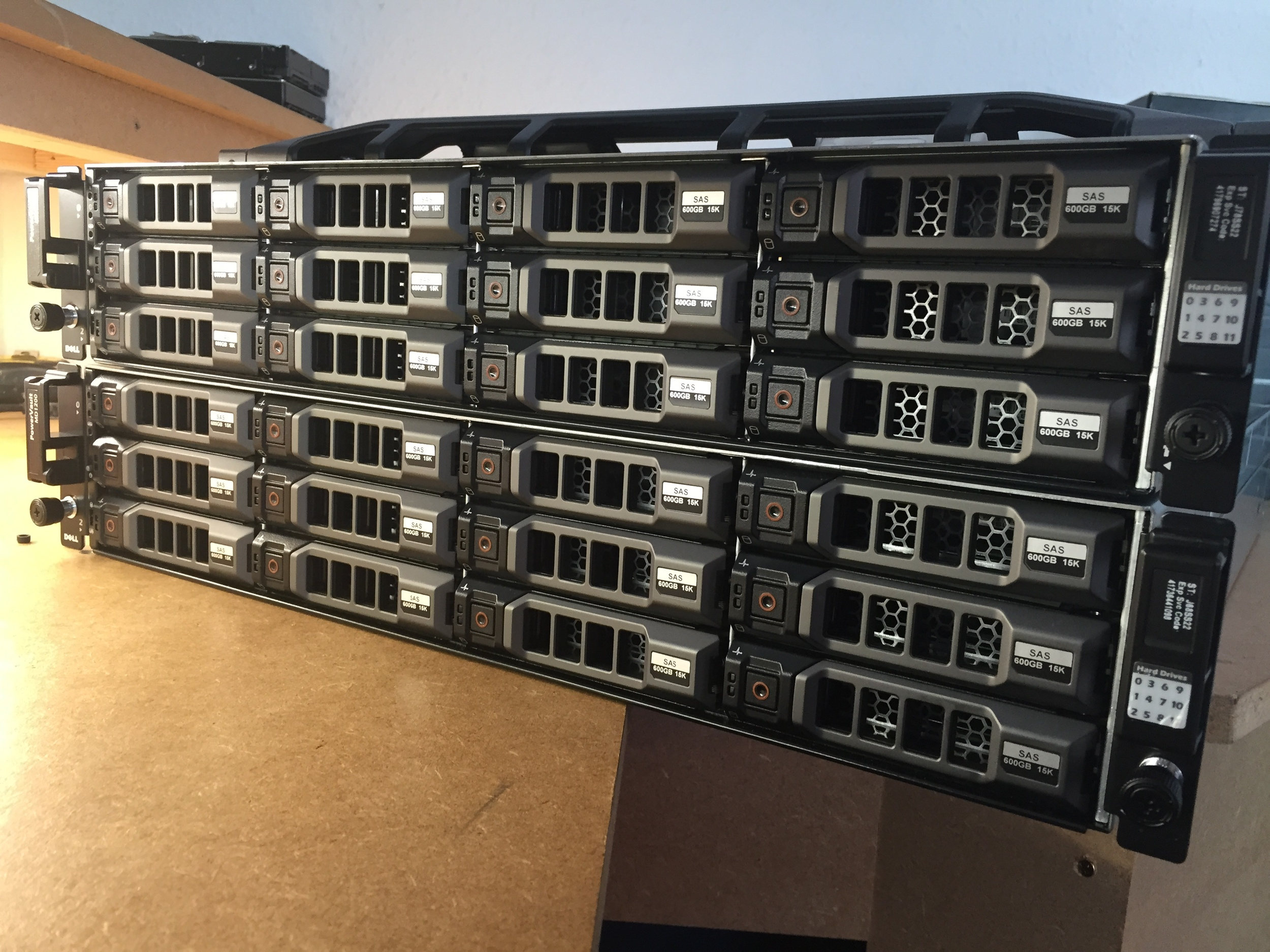 Dell Powervault MD 1200 x 2