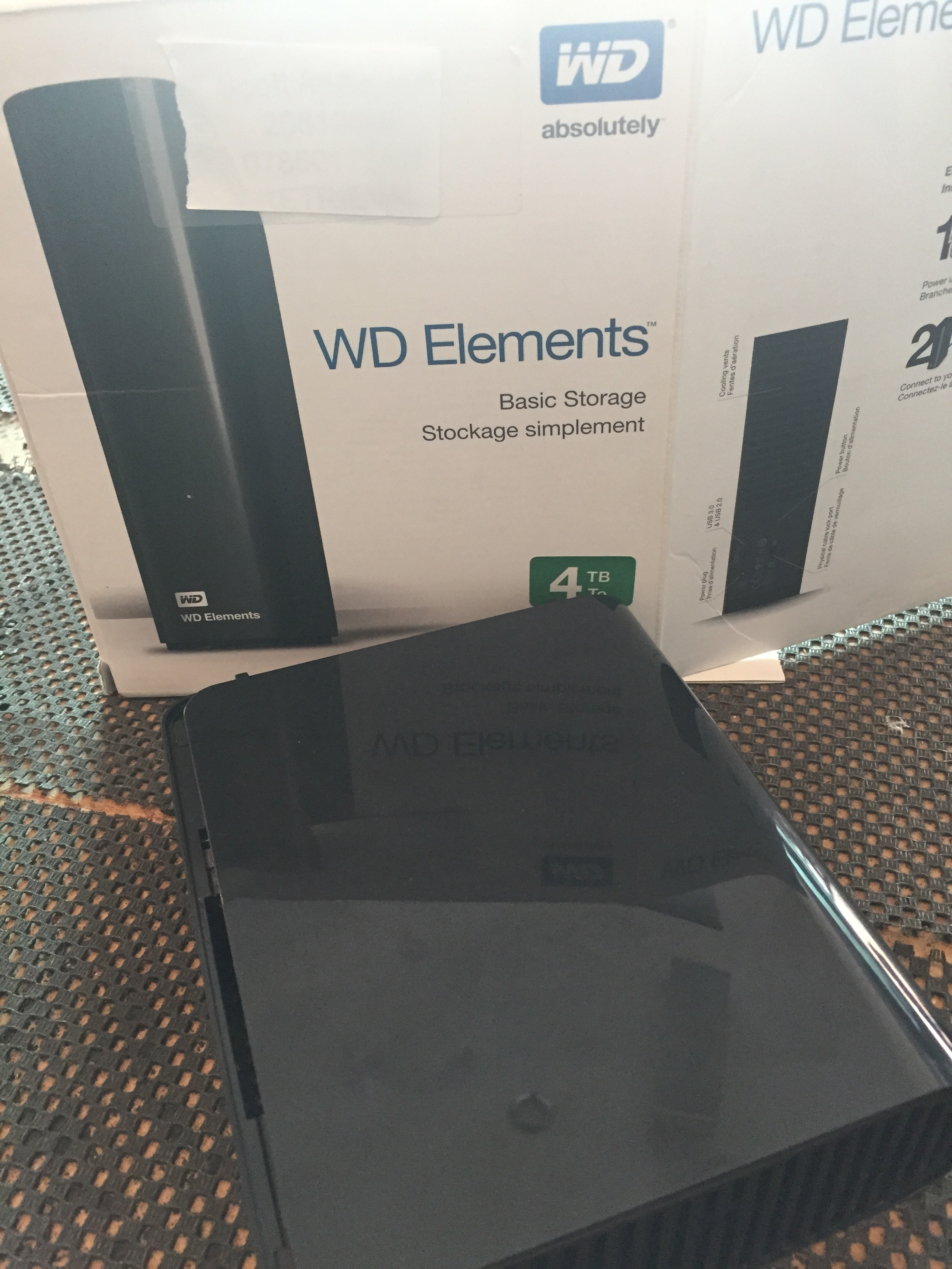 Standard stuff, 4TB Western Digital external drive sent in by a Video guy (final cut mac data apparently) This thing clicks.