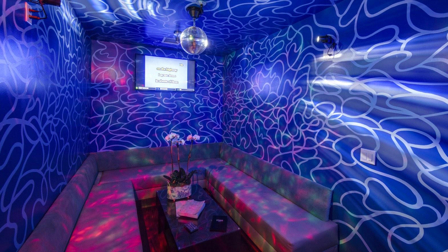 image_karaoke-room-02.jpg