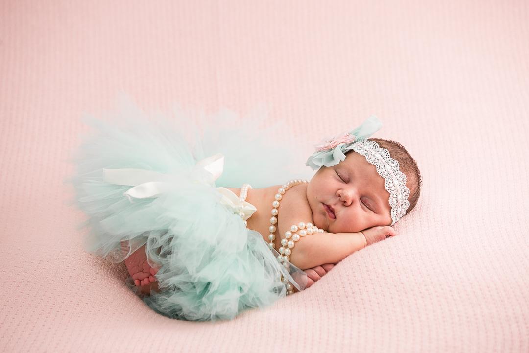 146Naomi Lucienne Photography - Newborn - 170616.jpg