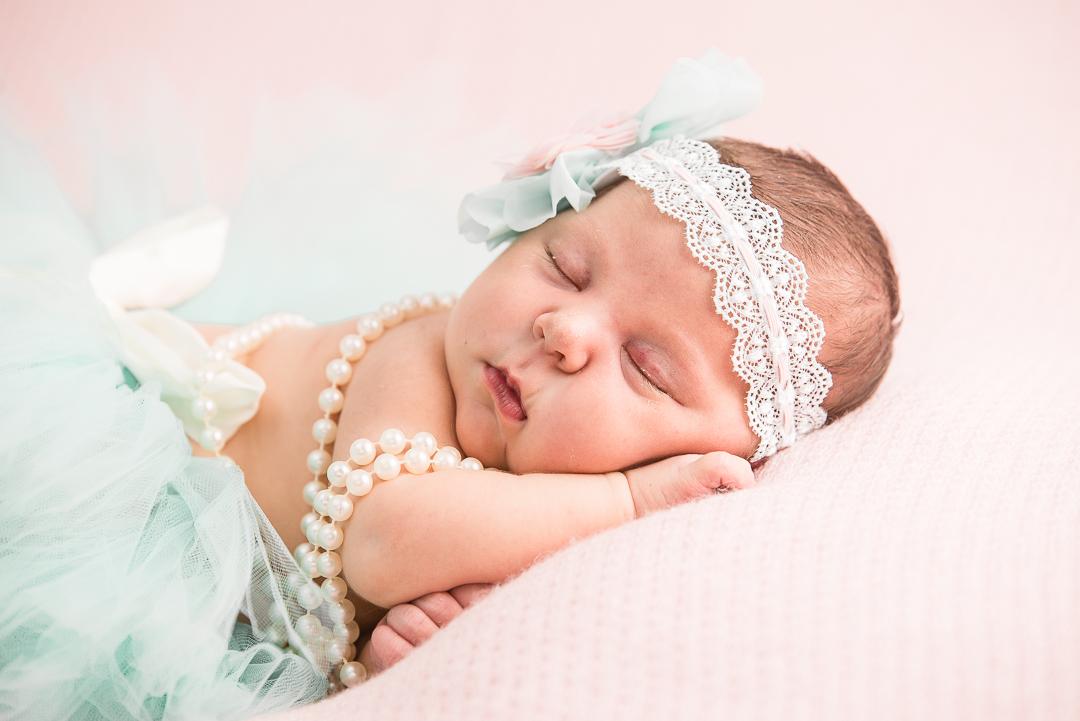 153Naomi Lucienne Photography - Newborn - 170616.jpg
