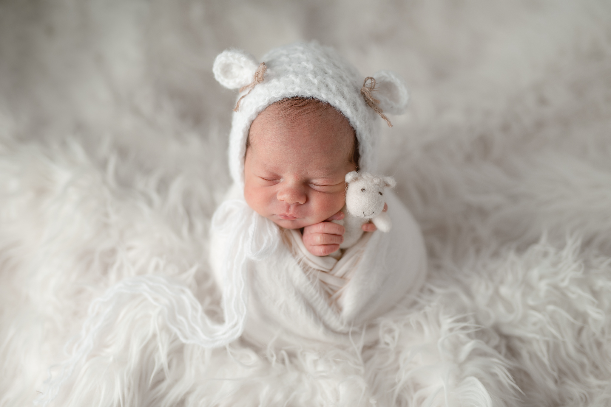 Newborn29NaomiLuciennePhotography032019-Edit.jpg