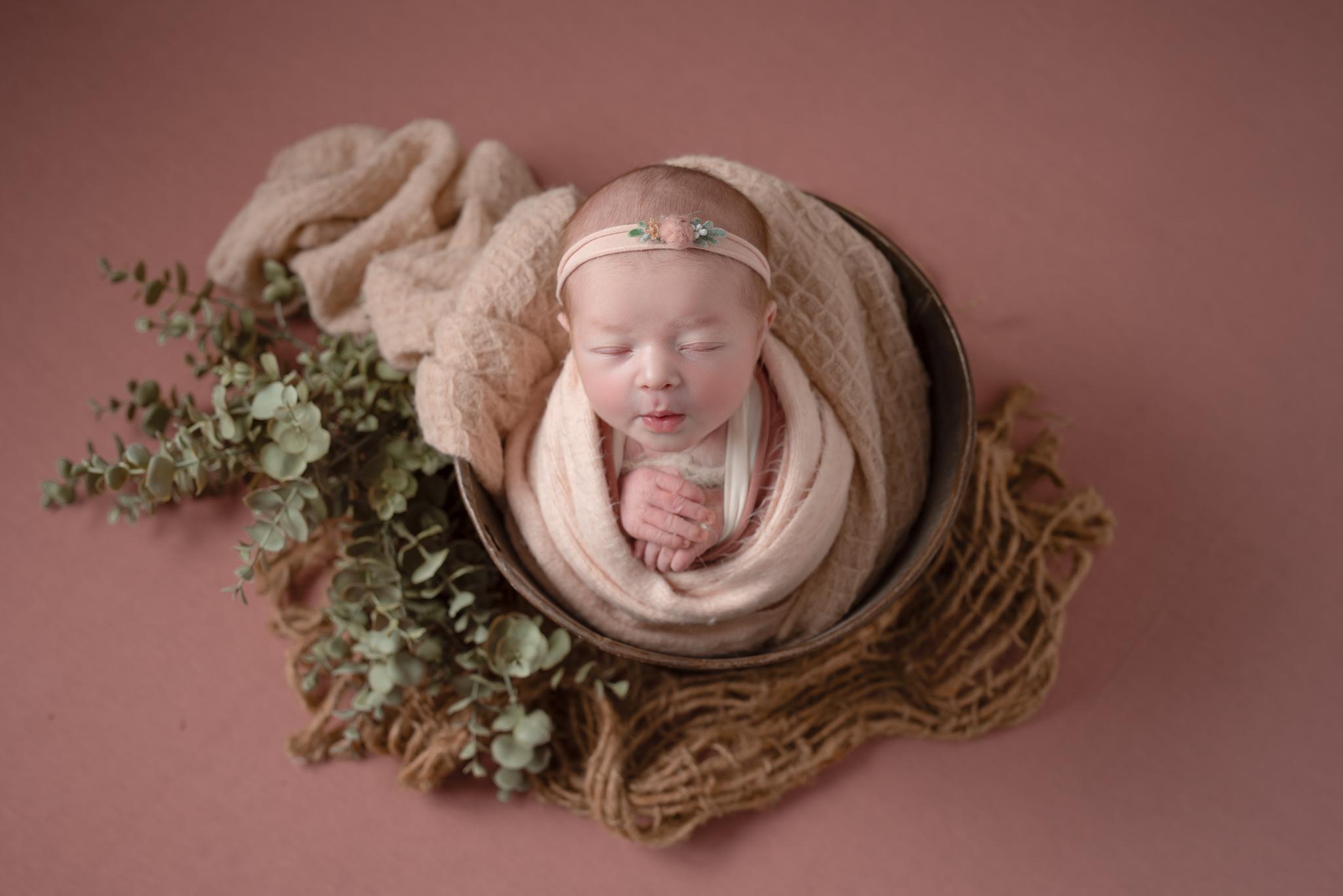 Newborn276NaomiLuciennePhotography032019-Edit.jpg