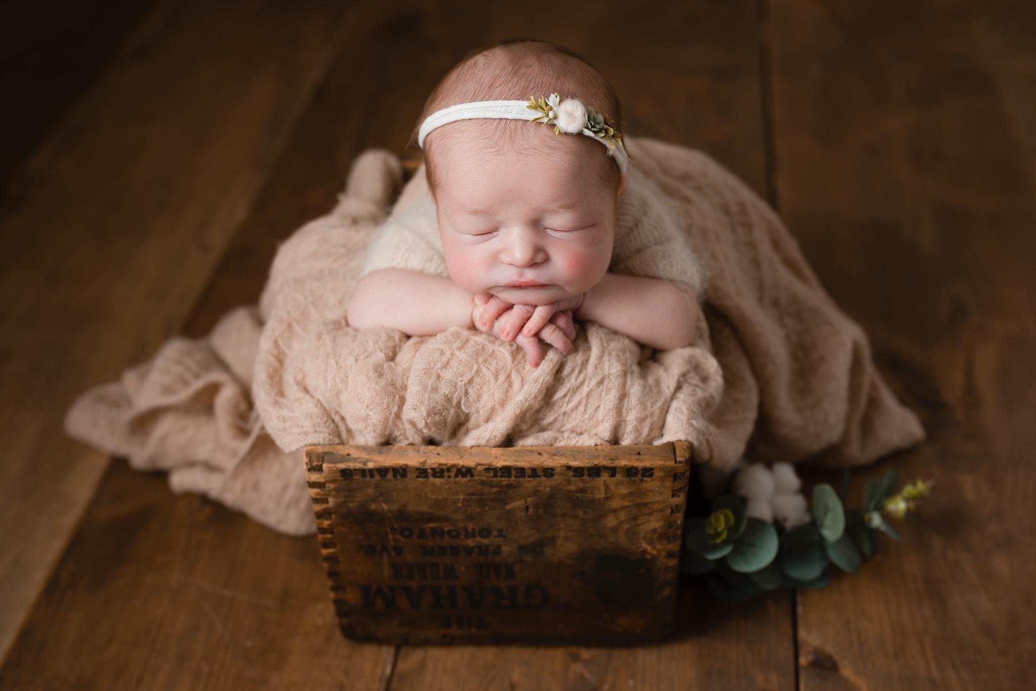 Newborn434NaomiLuciennePhotography032019-Edit.jpg