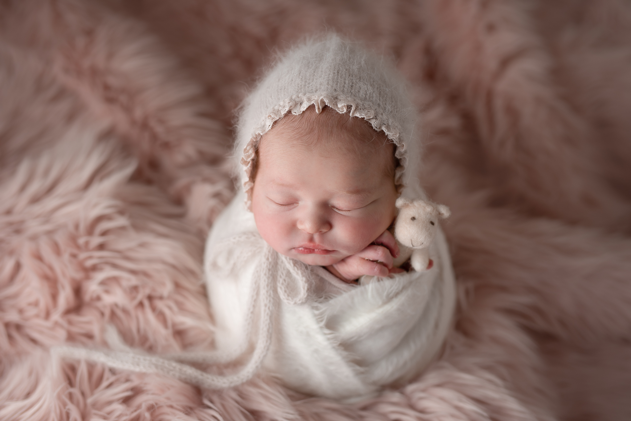 Newborn462NaomiLuciennePhotography032019-Edit.jpg