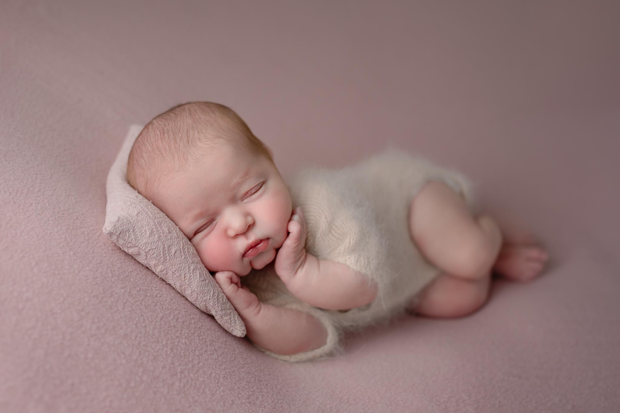 Newborn529NaomiLuciennePhotography032019-Edit.jpg