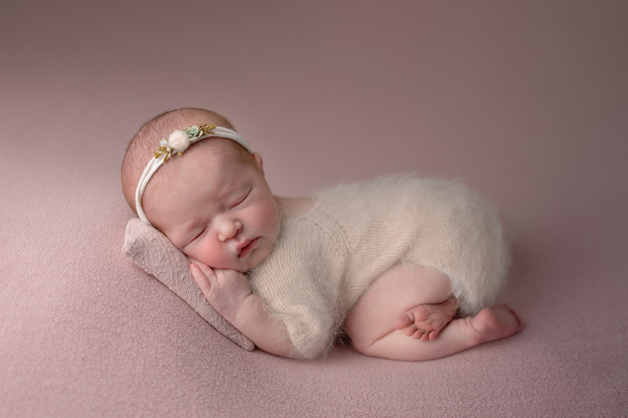 Newborn541NaomiLuciennePhotography032019-Edit.jpg