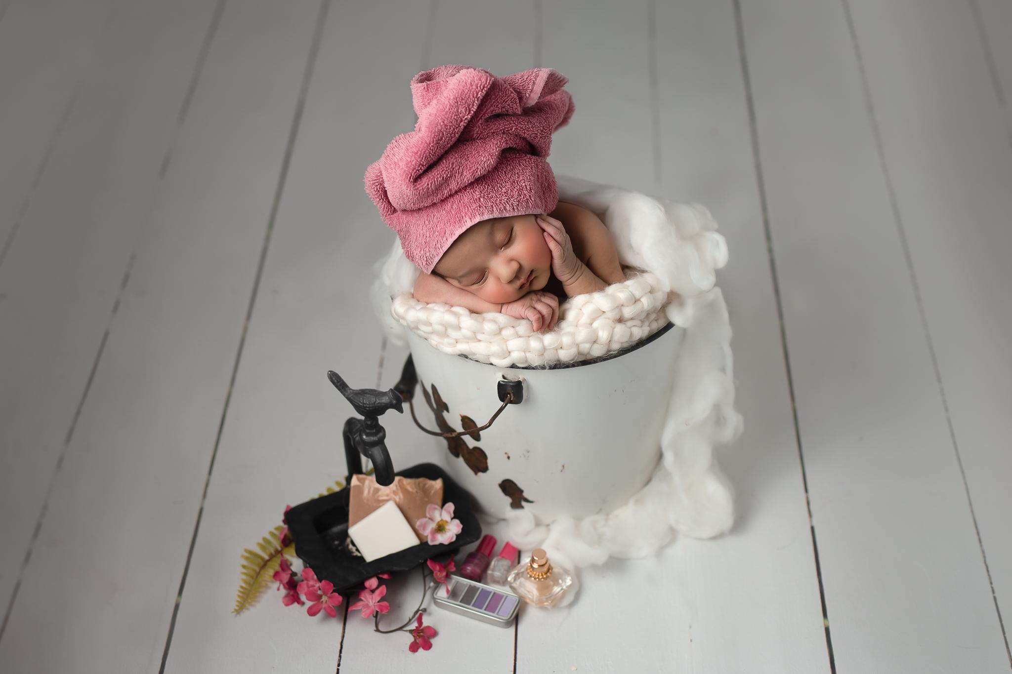 Newborn68NaomiLuciennePhotography032019-2-Edits.jpg