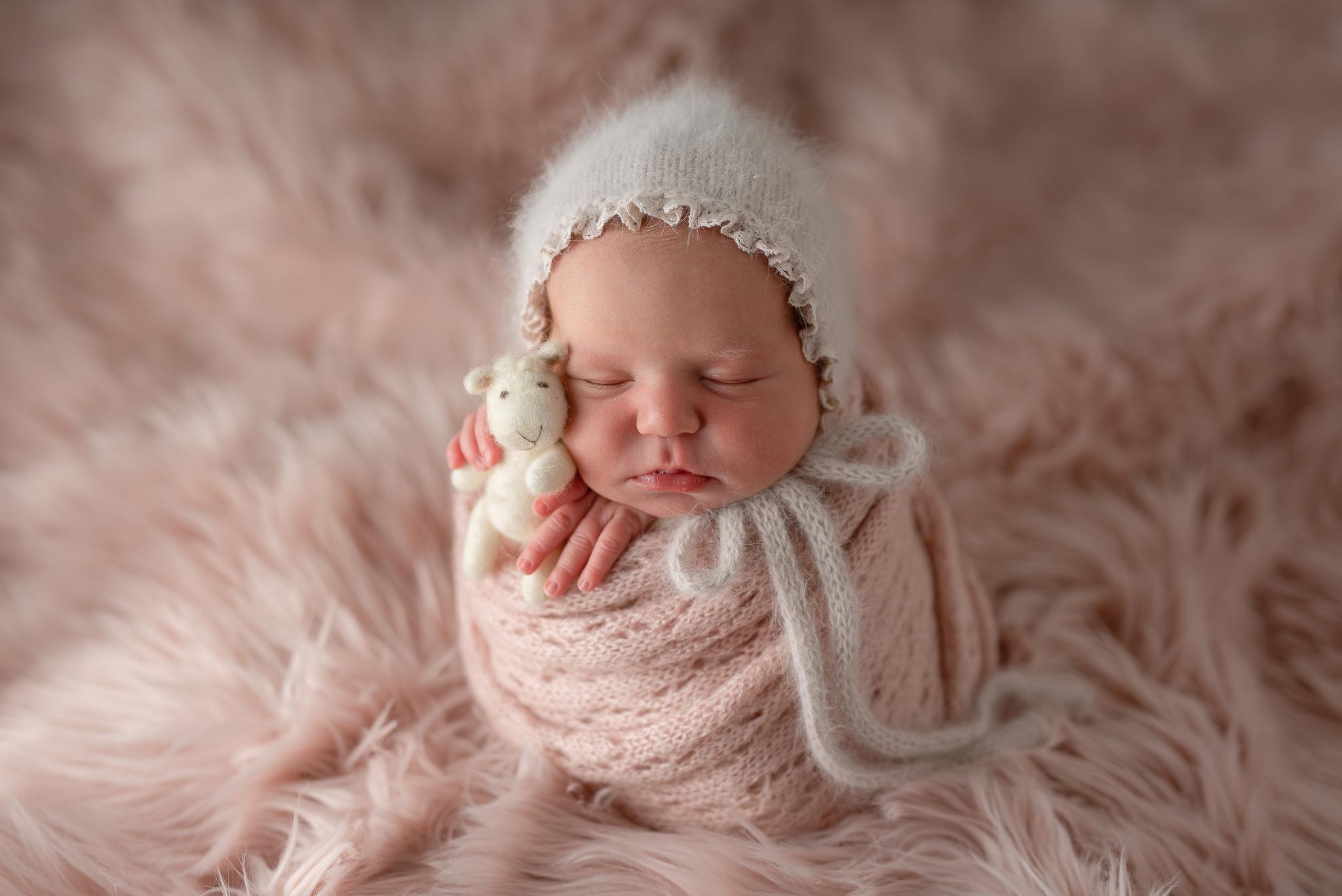 Newborn43NaomiLuciennePhotography032019-Edit.jpg