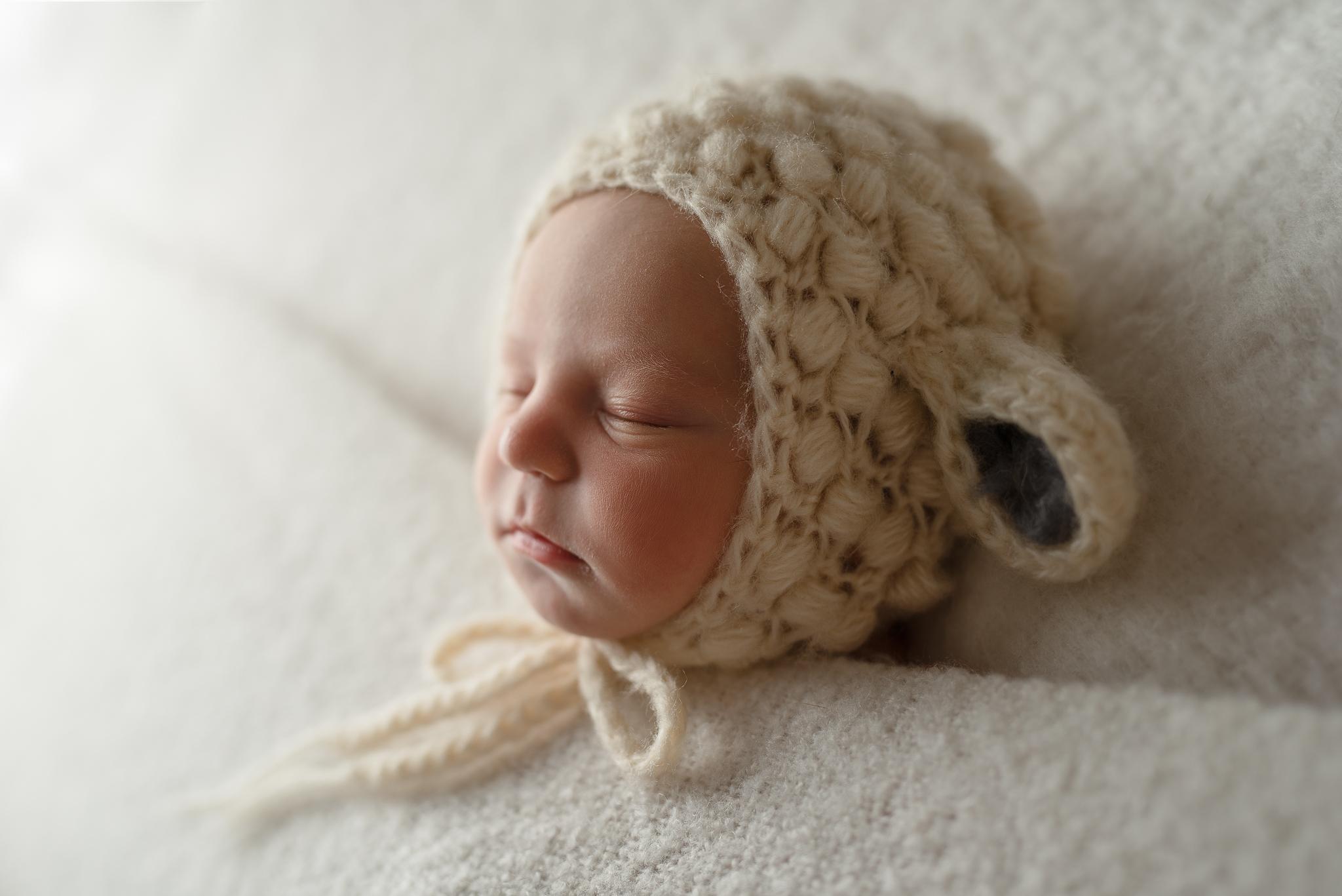 Newborn147NaomiLuciennePhotography032019-Edit.jpg