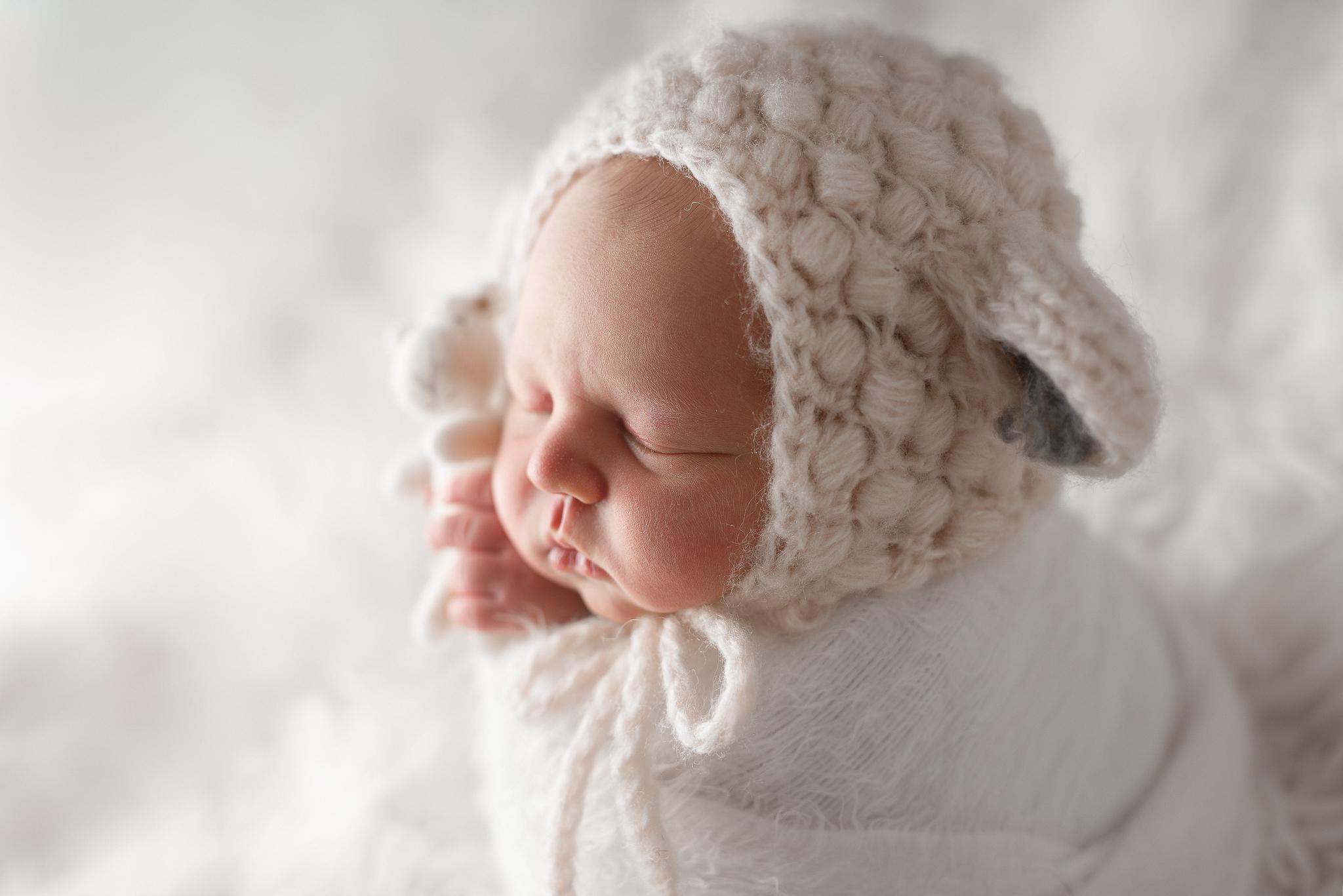 Newborn29NaomiLuciennePhotography032019-Edit-3.jpg