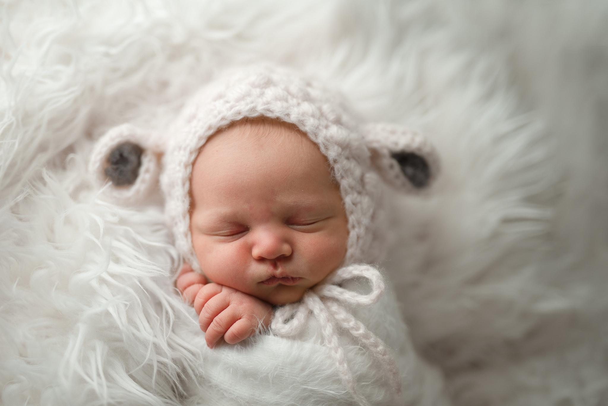 Newborn42NaomiLuciennePhotography032019-Edit.jpg