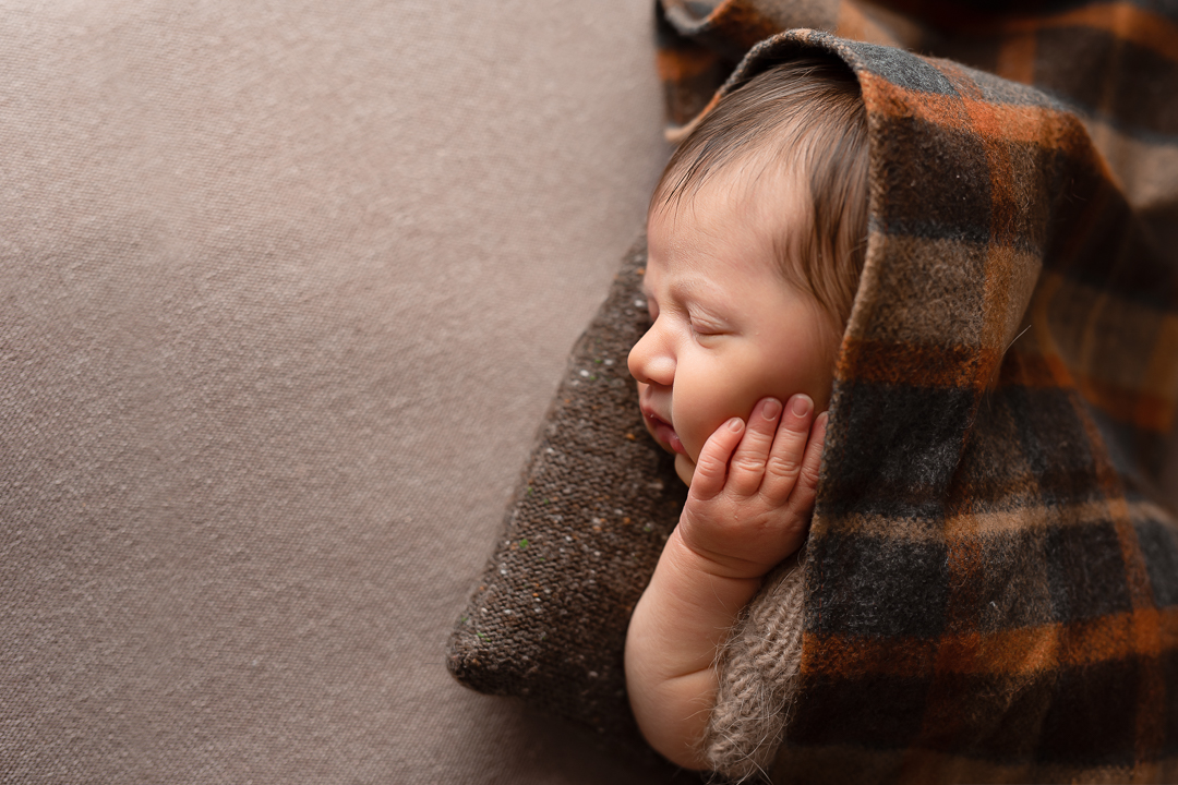 Newborn154NaomiLuciennePhotography042019-Edit.jpg