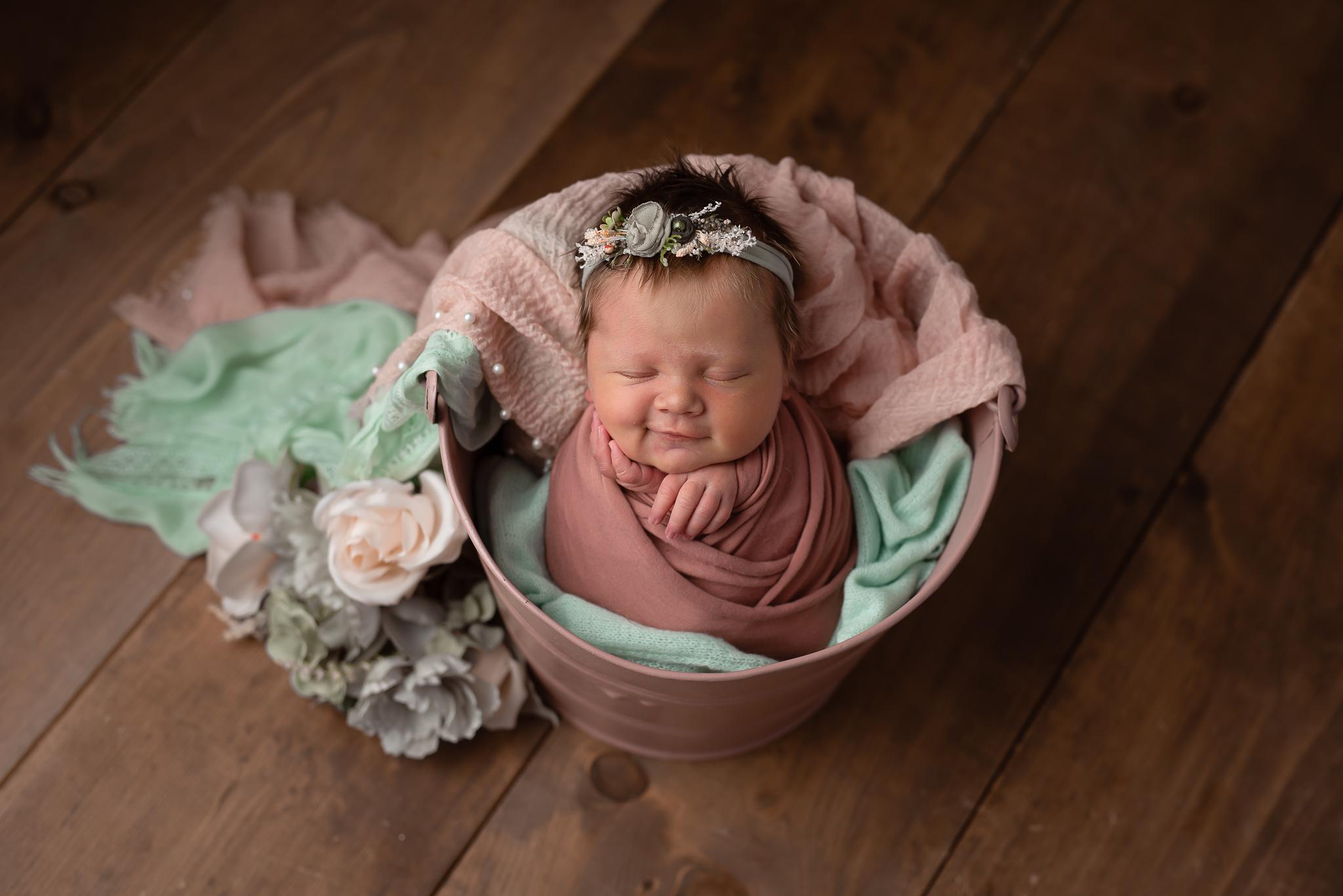 Newborn12NaomiLuciennePhotography062019-2-Edit.jpg