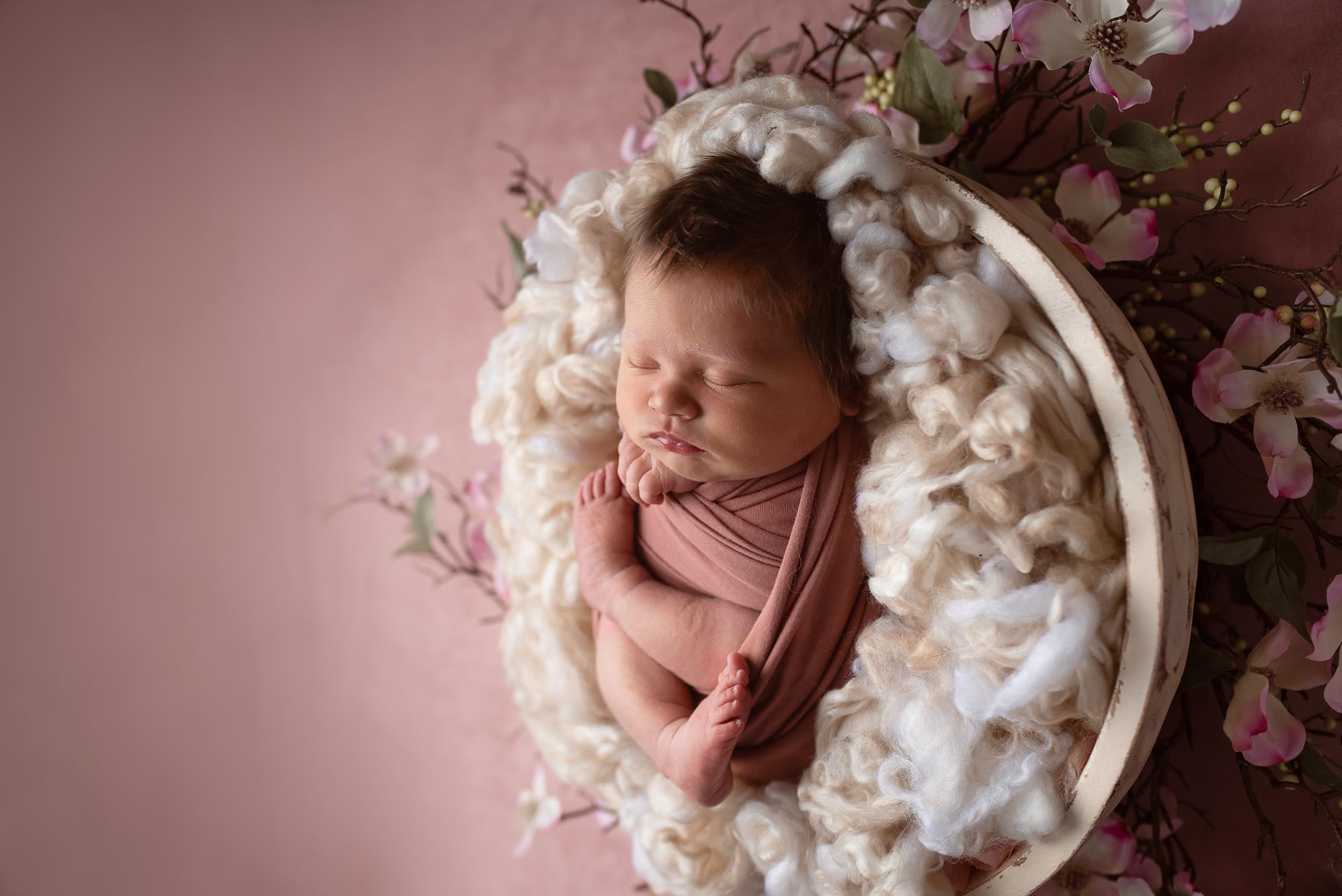 Newborn164NaomiLuciennePhotography062019-2-Edit.jpg