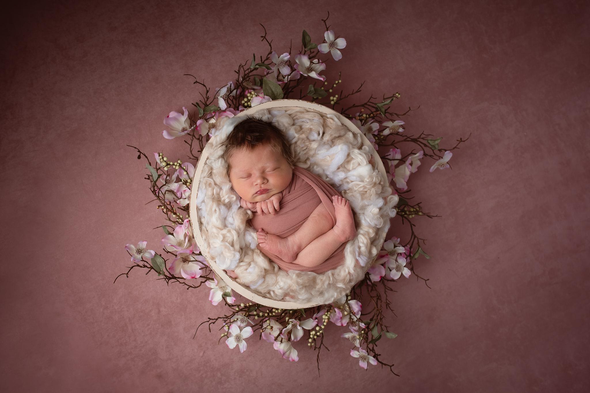 Newborn175NaomiLuciennePhotography062019-2-Edit.jpg