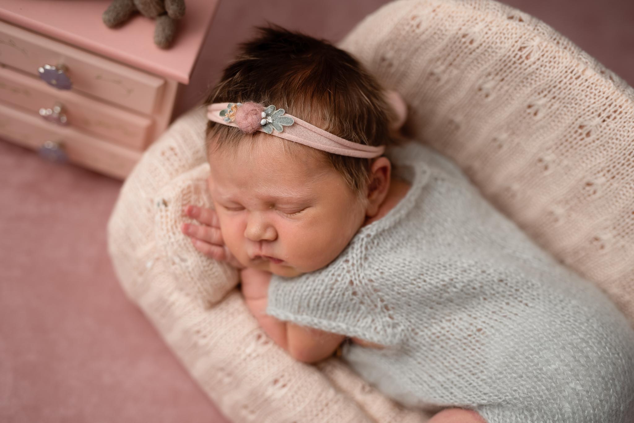 Newborn266NaomiLuciennePhotography062019-Edit.jpg