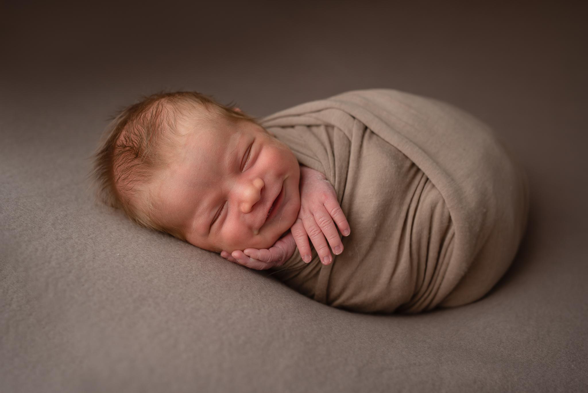 Newborn08NaomiLuciennePhotography062019-3-Edit.jpg