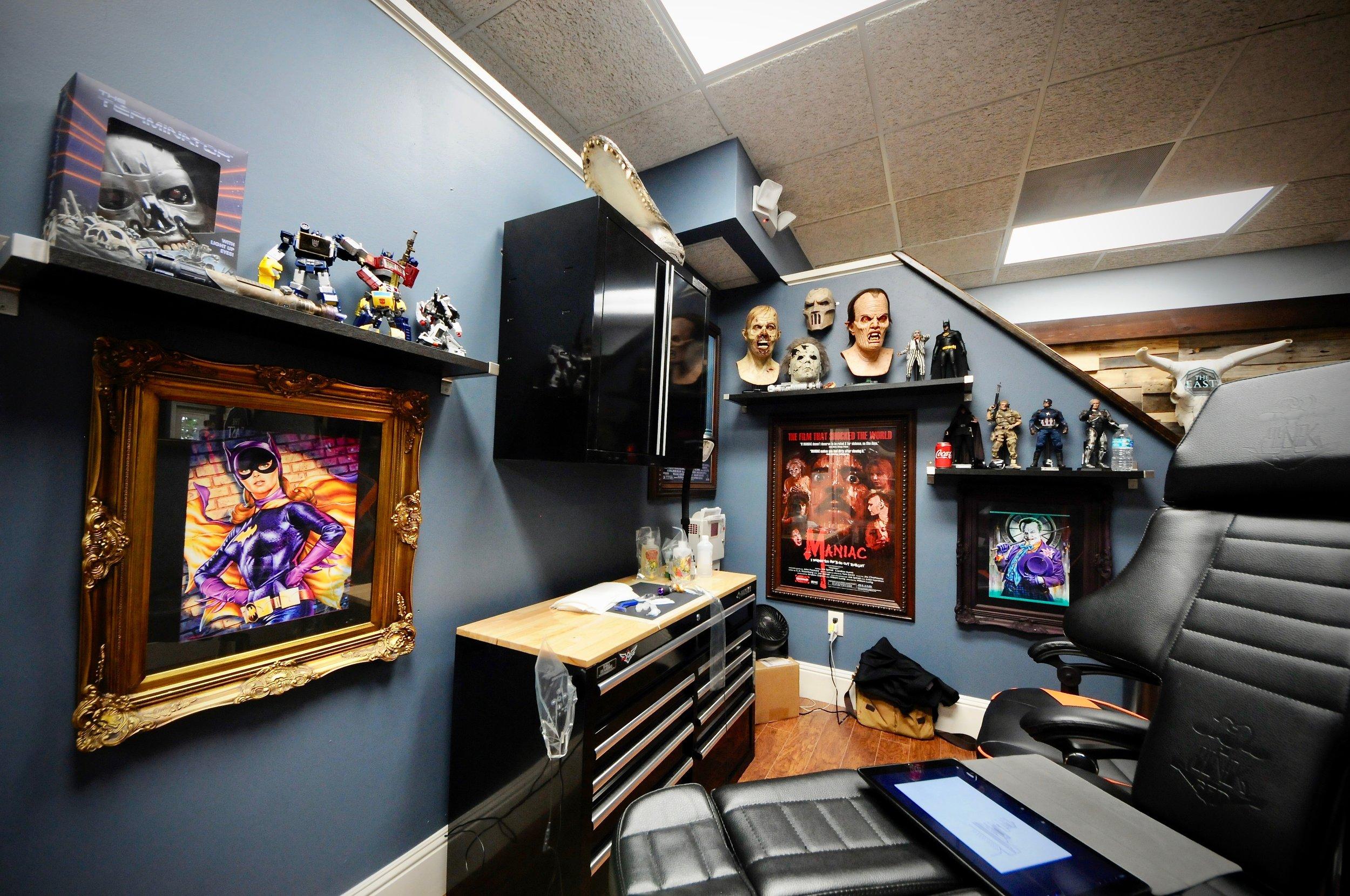 the-east-tattoo---salon-design_44677009931_o.jpg