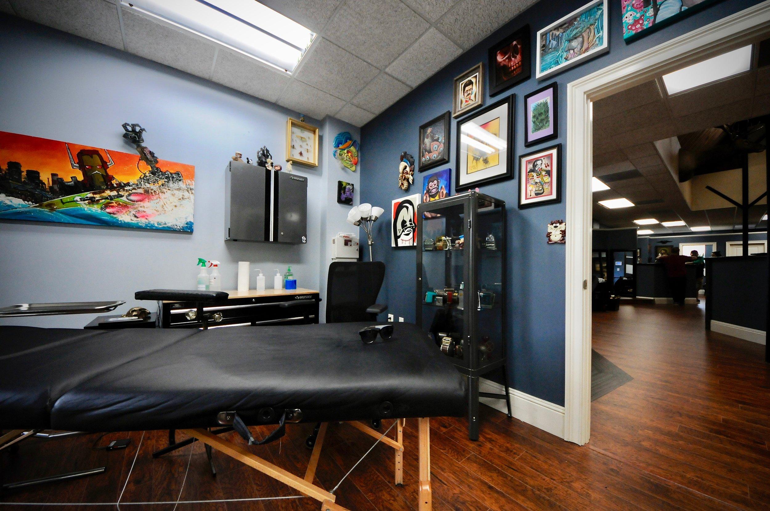 the-east-tattoo---salon-design_29739125027_o.jpg
