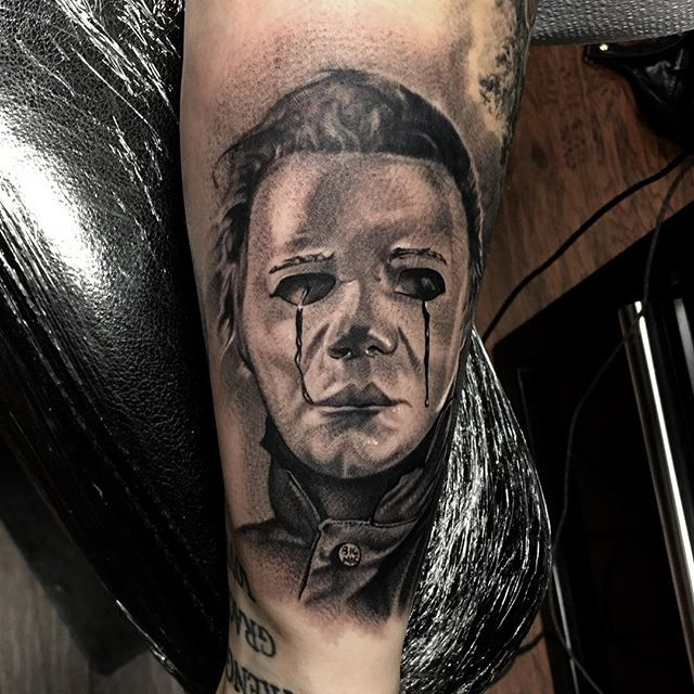 "Did the Halloween 2 ""Dick Warlock"" Myers today. @electrumstencilproducts @electrumsupply #michaelmyers #halloween #dickwarlock #halloween2 #theshape #portrait #blackandgreytattoo #tattoo #horror  #slasher #orlandotattooartist #centralfloridatattooartist #orlandotattoos"