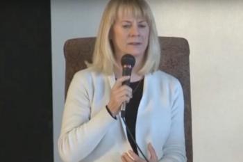 Greta Lindecrantz speaking
